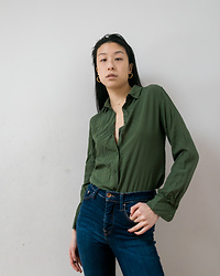 Gi Shieh - Uniqlo Green Button Down, Mejuri Gold, H&M Blue Jeans - Keeping It Simple