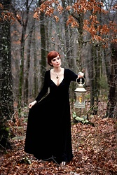 Bleu Avenue - Black Velvet Dress - Into the Woods