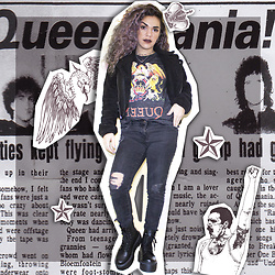 SV - Hot Topic Queen Band Tee Shirt - Queenmania!