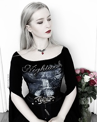 Joan Wolfie - Alchemy England Necklace, Nightwish Top - GOTHIC LADY // Joan Wolfie