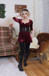 Lovely Blasphemy - One Spo Burgundy Velvet Dress, Dreamholic Short Blonde Wig - Sabrina
