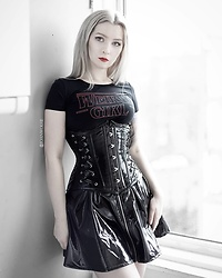 Joan Wolfie - Burleska Corset, Killstar Top - WEIRD GIRL // Joan Wolfie
