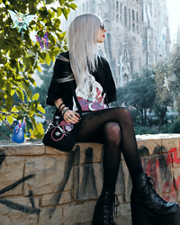Kimi Peri - Sarah Thursday Inuyasha Tee, Sarah Thursday Akai Shoulder Bag, Black Tights, Demonia Camel 203 Platform Boots, Vintage Crescent Moon Necklace, Round Glasses - Barcelona Magic