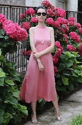 Jelena - Zara Pink Halteneck Dress, Ray Ban Wayfarer Sunglasses - Halter neck dress