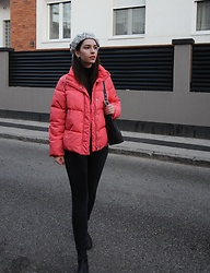 Jelena - H&M Puffer Jacket, Gap Black Turtleneck, Asos Chelsea Boots, Coach Vintage Bag - Pink on all black