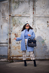 Samieze -  - Blue Fluffy Coat