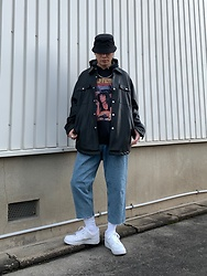 ★masaki★ - H&M Hat, Zara Leather Shrits, Pulpfiction Hoodie, Zara Jeans, Nike Af1, Vitaly Necklaces - Street Style