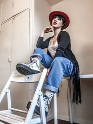Weronika Bukowczan - Vintage Oversized Blue Jeans, Deichmann White Studded Lace Up Boots, Boho Black Cardigan, Vintage Red Wool Hat, Zara Polka Dot White And Black T Shirt - Homie grunge