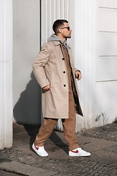 Kevin Elezaj - Nike Sneakers, Folk Overall, Topman Trenchcoat, A.P.C. Sweater, Ray Ban Glasses - Creme