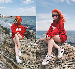 Vlada Kozachyshche - Duckside Sweatshirt, Adidas Sneakers - SEASIDE