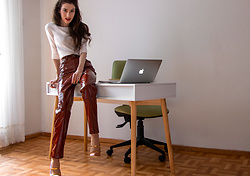 Veronika Lipar - Jil Sander White Sweater, Lpa Brown Vinyl Leather Pants, Malone Souliers Pink Blush Rose Gold High Heel Mules - Leather Pants for Work
