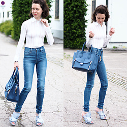 Claire H - White Body Blouse, Levi's® High Waist Skinny Jeans, N°21 Peep Toe Mules, Henri Bendel Tote Bag Rivington Convertible Tote - Sporty office style