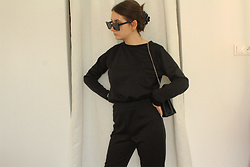 Carolyn D - Femmeluxe Loungewear Set - All black