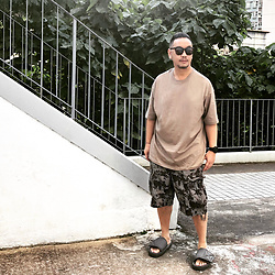 Mannix Lo - Online Shop Oversize Tee, Zara Floral Print Cargo Shorts, Adidas Yeezy Season 6 Sandals - Some ppls meet for a short time, but remember for lifetime
