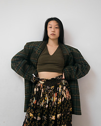 Gi Shieh - Plaid Blazer, Old Fast Fashion Olive Crop Top, Thrifted Floral Skirt - Mixing more textures
