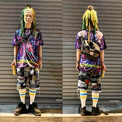 @KiD - Vivienne Westwood Chaos Turban, Ho99o9 Digital Tee, 20471120 Porches, Vivienne Westwood Cigarette Case, Rat Swamp Crust Shorts, Baffalo London Platform - JapaneseTrash583