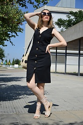 Elisabeth Green - Dresslily Dress, Lefties Bag, Asos Sandals - Black Buttoned Dress