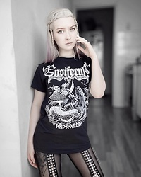 Joan Wolfie - Backstage Rock Shop T Shirt, Black Milk Clothing Leggings - ENSIFERUM // IG: @joanwolfie