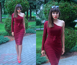 Jointy&Croissanty © - Femmeluxefinery Dress - Burgundy midi dress
