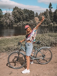 Doina M. - Teddy Fresh Hat, Brave Soul Men Shirt, Missguided Mom Shorts, Adidas Falcon - OnTheGo..