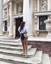 Kristina E. - Stradivarius Blouse, Stradivarius Shorts, New Look Sandals - Summer